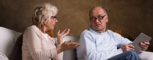 https://www.avovo.com.br/wp-content/uploads/elderly-man-kissing-wife-in-lingerie-P3G642Y.jpg