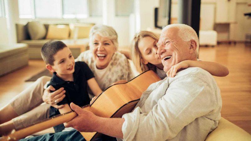 os avós não só educam, mas os avoseiam