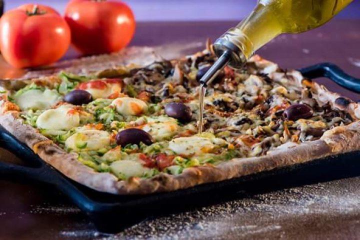 pizza quadrada integral - ilustrativa