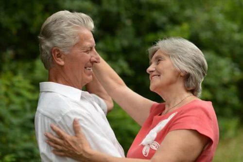 idosos dançando na terceira idade