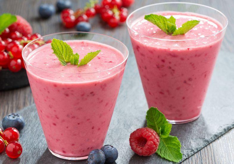 chá batido de frutas e iogurte