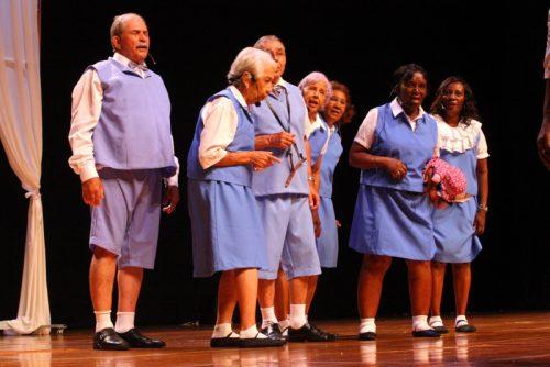 teatro como terapia para os idosos