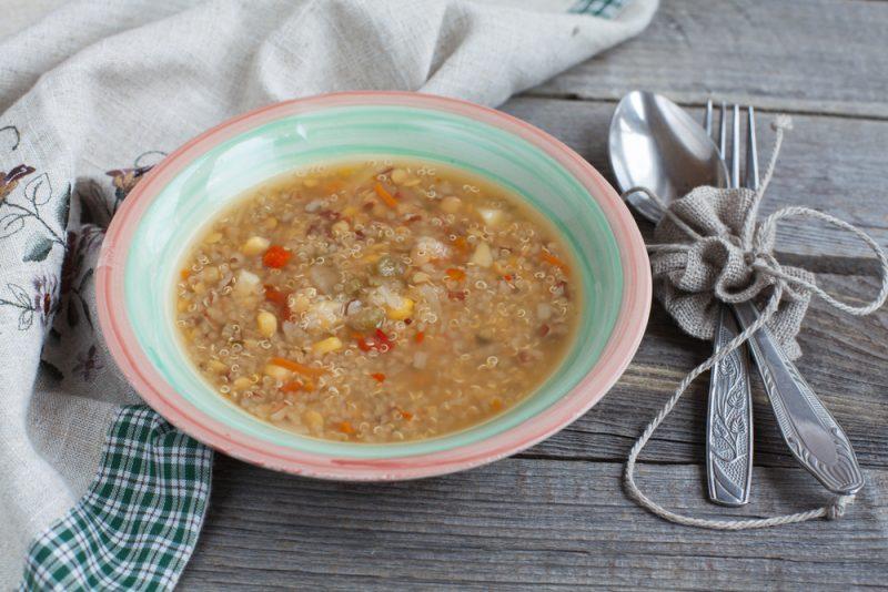 Sopa com quinoa