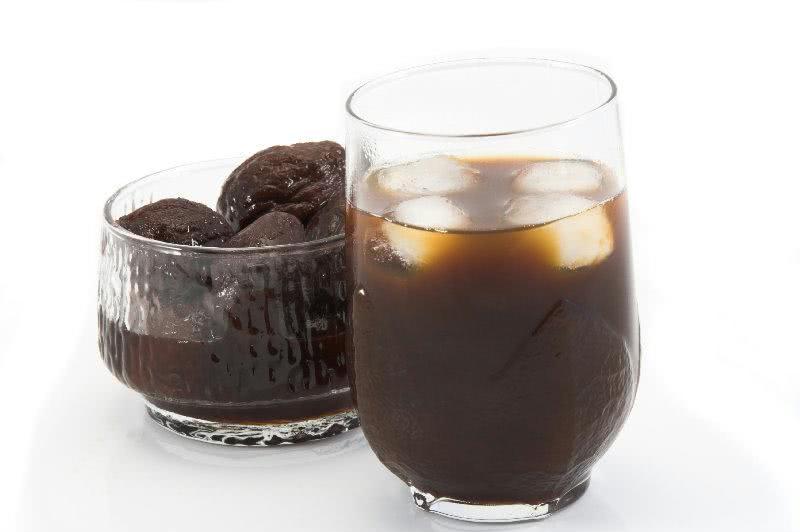 suco de ameixa faz bem aos idosos