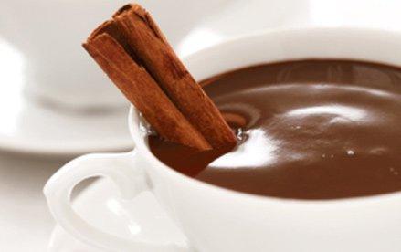 chocolate quente é bom para os idosos