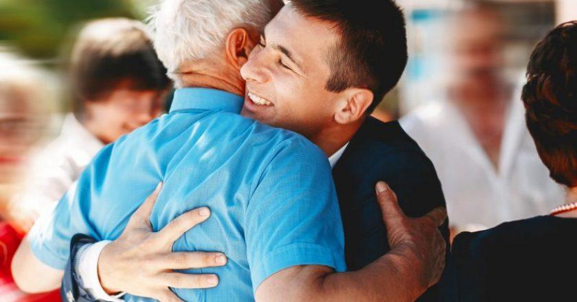 amar e cuidar de um idoso