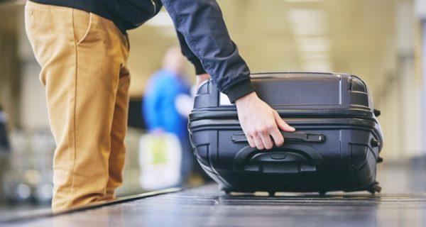 mala de avião e bagagem de mão