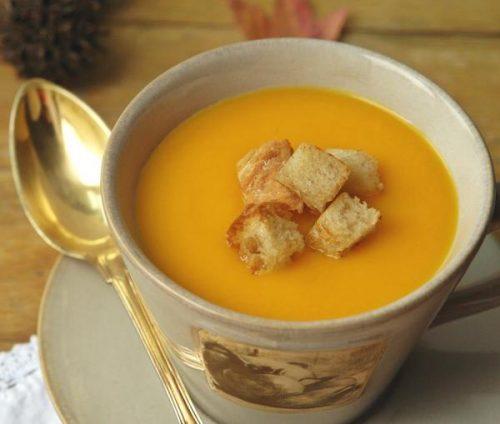 sopa para idosos no frio