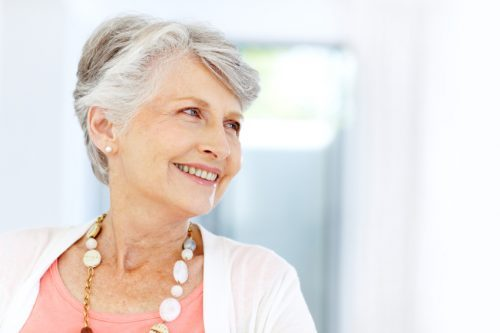 cabelos brancos cada vez mais cedo nas mulheres