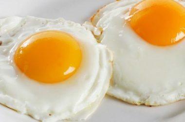 ovos no café da manhã para idosos