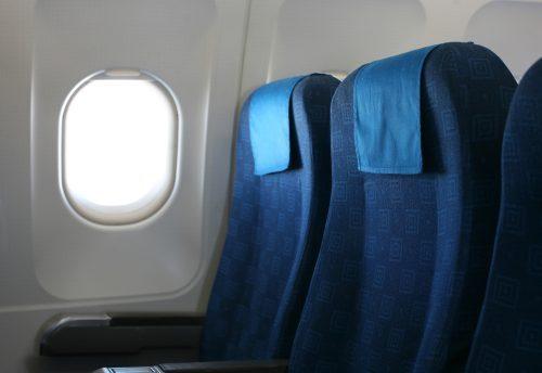 qual o melhor assento para idosos nos aviões?