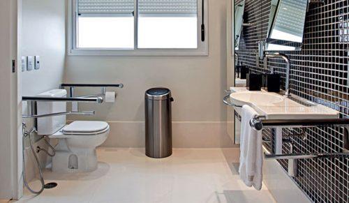 Veja as dicas para montar um banheiro adaptado para idosos aí na sua casa, que irá garantir à você maior conforto e segurança para sua utilização.