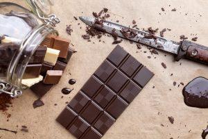 Chocolate amargo faz bem aos idosos