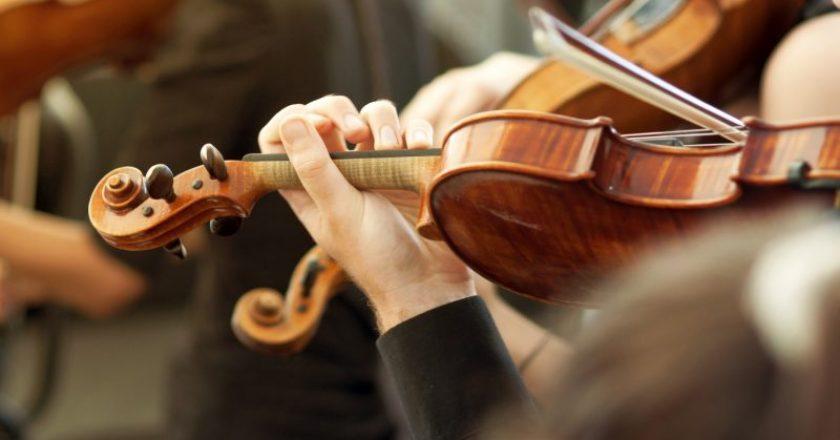 Ouvir música clássica faz bem aos idosos