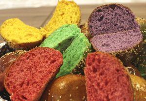 Pão colorido para hambúrguer