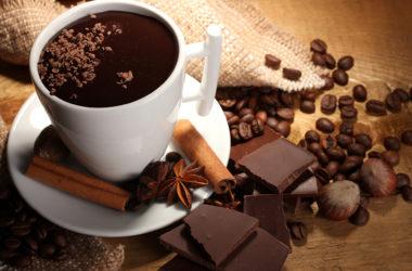 Café e chocolate para terceira idade
