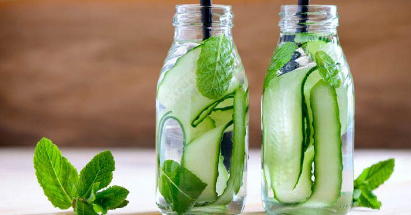 água aromatizada de pepino