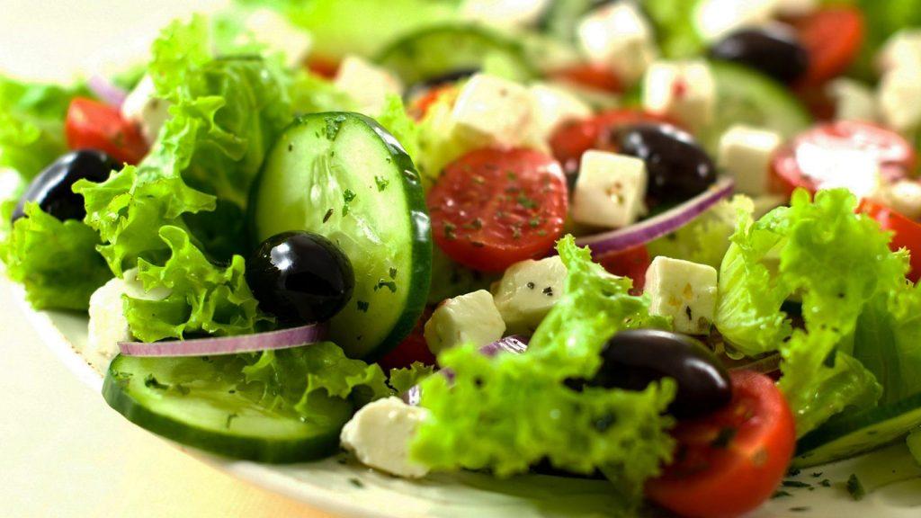 saladas frias para idosos