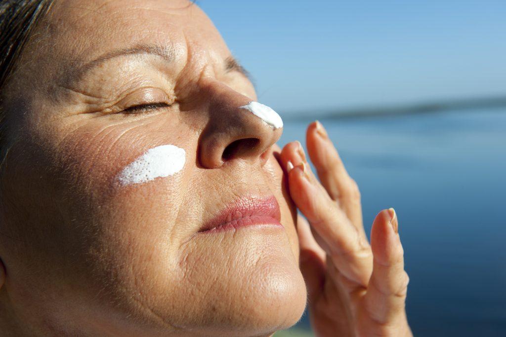 protetor e filtro solar para idosos