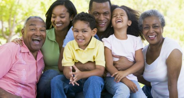 Avós pagando contas de netos? E a responsabilidade dos pais?