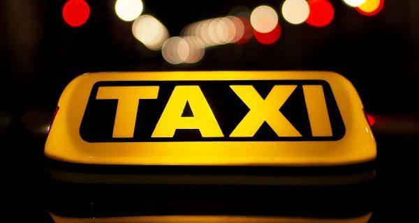 Dicas de segurança para chamar um táxi UBER