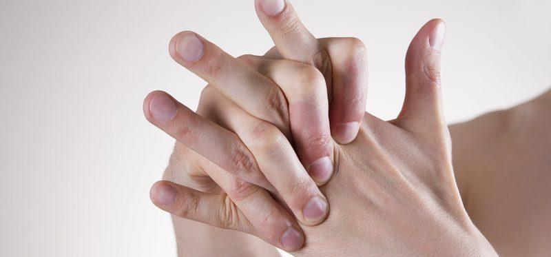 estalar os dedos na terceira idade