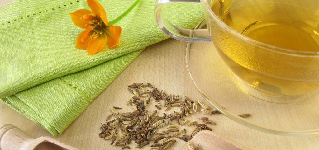 chá de erva-doce para a terceira idade