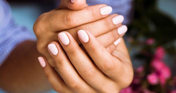 esmalte faz mal para as unhas e organismo na terceira idade