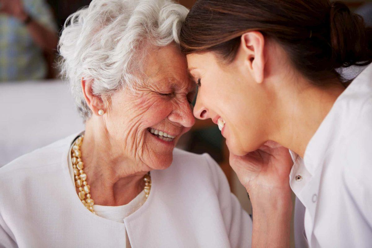 Fazer um idoso feliz através de suas ações e atitudes - Portal AVôVó