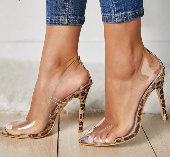 Resultado de imagem para Como usar a sandália transparente?