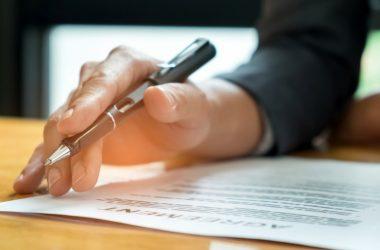 idosos tomem cuidado com documentos