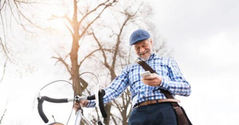 idosos podem pedalar