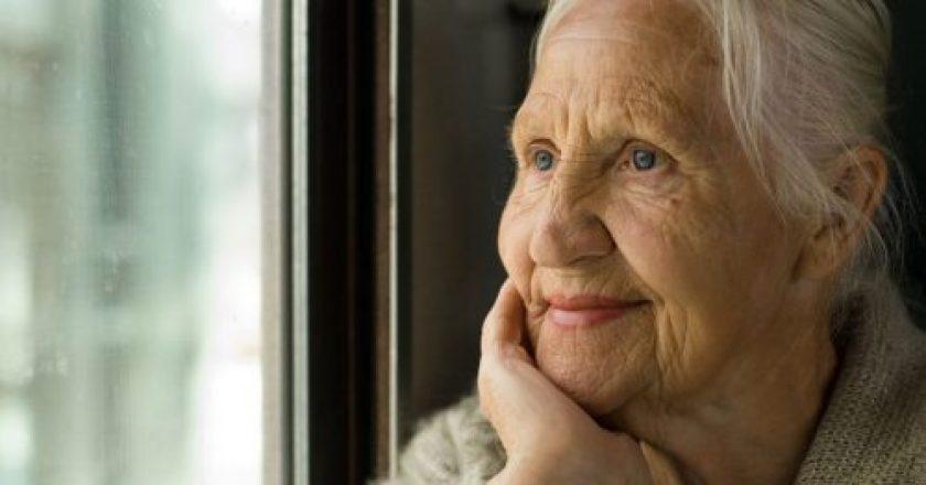 idosos órfãos